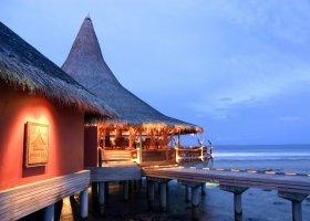 maledivy-hotel-anantara-veli-resort-015.jpg