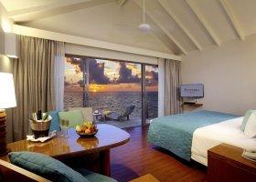 maledivy-hotel-centara-ras-fushi-096.jpg