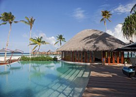 maledivy-hotel-constance-halaveli-resort-066.jpg
