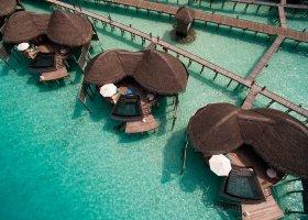 maledivy-hotel-constance-halaveli-resort-095.jpg