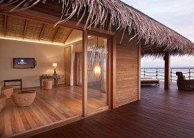 maledivy-hotel-constance-moofushi-resort-068.jpg