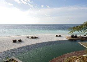maledivy-hotel-constance-moofushi-resort-073.jpg