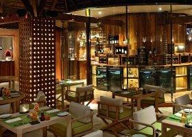maledivy-hotel-constance-moofushi-resort-140.jpg