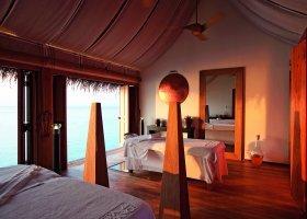 maledivy-hotel-constance-moofushi-resort-156.jpg