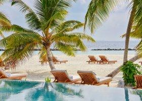 maledivy-hotel-dhigali-maldives-001.jpg