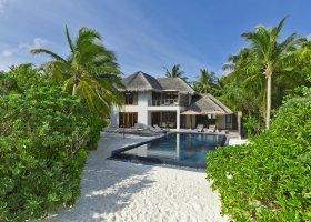 maledivy-hotel-dusit-thani-maldives-240.jpg