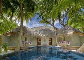 maledivy-hotel-dusit-thani-maldives-295.jpg