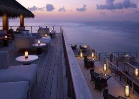 maledivy-hotel-dusit-thani-maldives-306.jpg