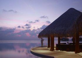 maledivy-hotel-dusit-thani-maldives-309.jpg