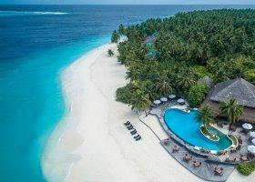 maledivy-hotel-filitheyo-island-resort-040.jpg