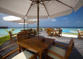 maledivy-hotel-filitheyo-island-resort-075.jpg