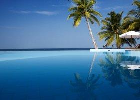 maledivy-hotel-filitheyo-island-resort-082.jpg