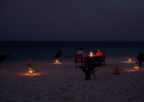 maledivy-hotel-filitheyo-island-resort-140.jpg