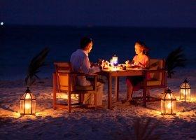 maledivy-hotel-filitheyo-island-resort-159.jpg