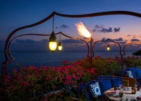 maledivy-hotel-four-seasons-landaa-giraavaru-025.jpg