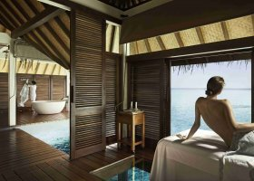 maledivy-hotel-four-seasons-landaa-giraavaru-080.jpg