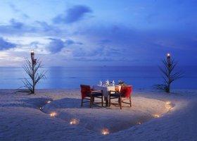 maledivy-hotel-furaveri-island-resort-spa-029.jpg