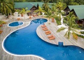 maledivy-hotel-furaveri-island-resort-spa-060.jpg