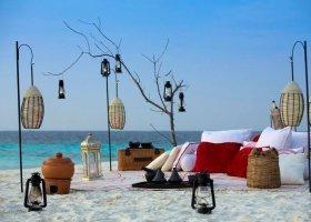 maledivy-hotel-furaveri-island-resort-spa-074.jpg