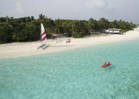 maledivy-hotel-furaveri-island-resort-spa-081.jpg