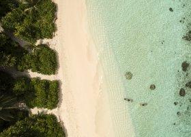 maledivy-hotel-furaveri-island-resort-spa-084.jpg