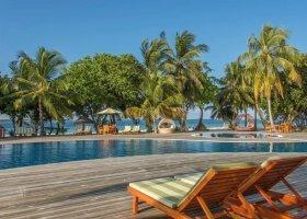 maledivy-hotel-furaveri-island-resort-spa-098.jpg