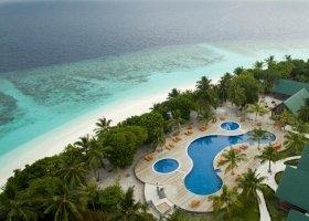 maledivy-hotel-furaveri-island-resort-spa-100.jpg