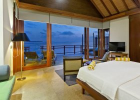 maledivy-hotel-furaveri-island-resort-spa-131.jpg