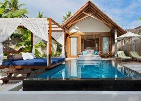 maledivy-hotel-furaveri-island-resort-spa-138.jpg
