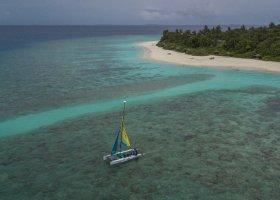maledivy-hotel-furaveri-island-resort-spa-166.jpg