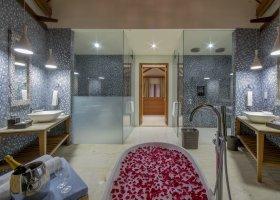 maledivy-hotel-furaveri-island-resort-spa-171.jpg