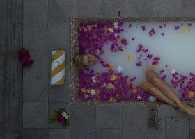 maledivy-hotel-furaveri-island-resort-spa-181.jpg