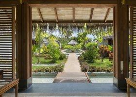maledivy-hotel-furaveri-island-resort-spa-182.jpg