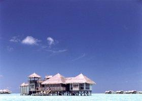 maledivy-hotel-gili-lankanfushi-128.jpg