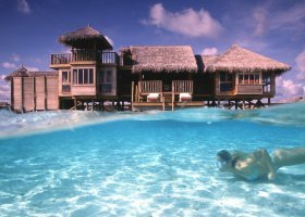 maledivy-hotel-gili-lankanfushi-140.jpg