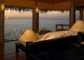 maledivy-hotel-gili-lankanfushi-150.jpg