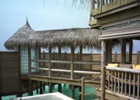 maledivy-hotel-gili-lankanfushi-154.jpg