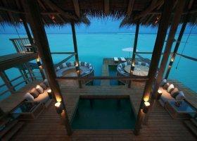 maledivy-hotel-gili-lankanfushi-164.jpg