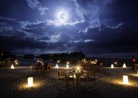 maledivy-hotel-gili-lankanfushi-174.jpg