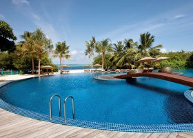 maledivy-hotel-hideaway-beach-resort-spa-120.jpg