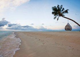 maledivy-hotel-hideaway-beach-resort-spa-130.jpg