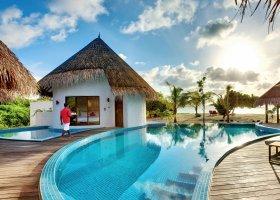 maledivy-hotel-hideaway-beach-resort-spa-146.jpg