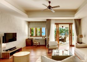 maledivy-hotel-hideaway-beach-resort-spa-147.jpg