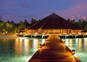 maledivy-hotel-hideaway-beach-resort-spa-155.jpg