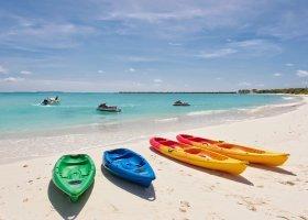 maledivy-hotel-hideaway-beach-resort-spa-190.jpg