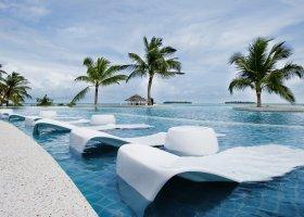 maledivy-hotel-holiday-inn-kandooma-003.jpg