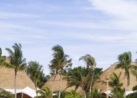 maledivy-hotel-holiday-inn-kandooma-006.jpg