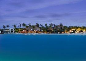 maledivy-hotel-holiday-inn-kandooma-007.jpg
