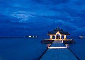 maledivy-hotel-holiday-inn-kandooma-009.jpg