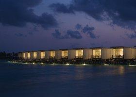 maledivy-hotel-holiday-inn-kandooma-012.jpg